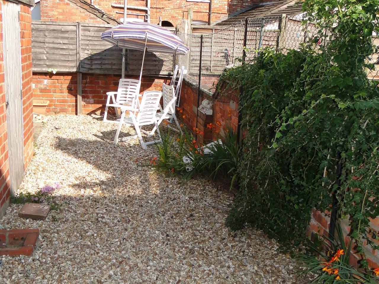 2 Back garden