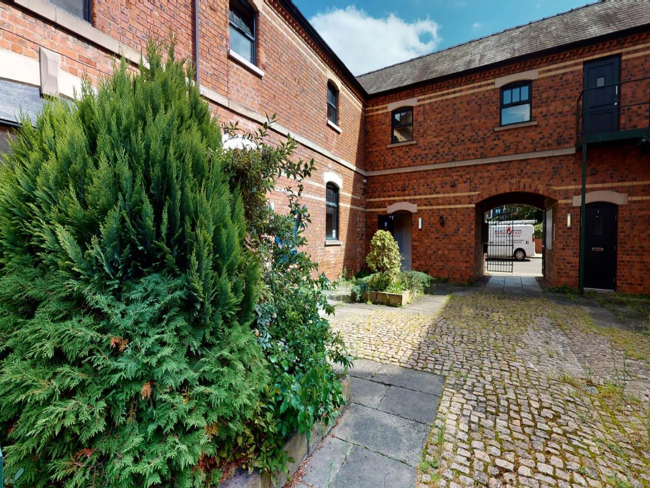 College-Mews-Lincoln-09082020_095459